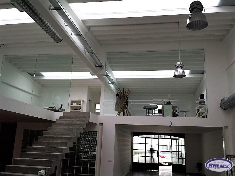 Progetti in vetro o metallo su misura lavorazioni conto for Negozi arredamento bari
